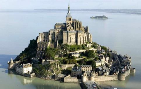 Normandy:  フランス:      Mont Saint-Michel