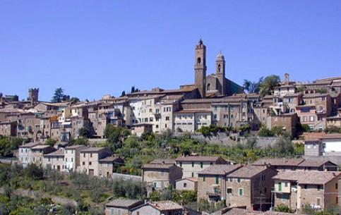 Toscana:  イタリア:      Montalcino