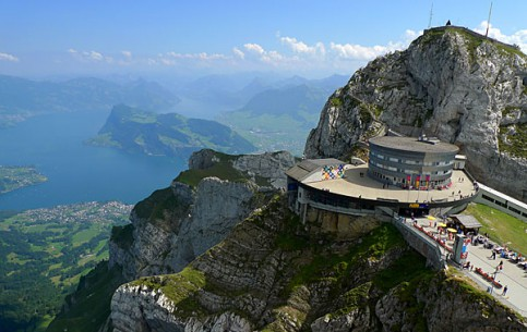 スイス:      Mount Pilatus