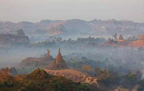 缅甸:      Mrauk U