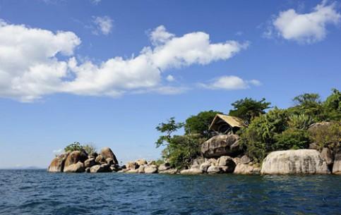 Malawi:      Mumbo Island camp