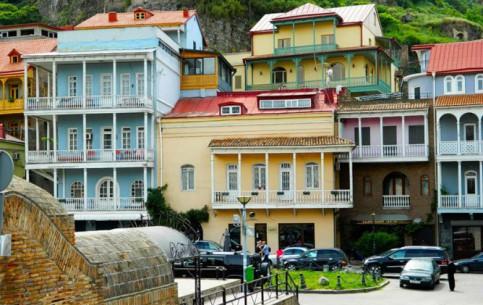 トビリシ:  ジョージア:      Old Tbilisi