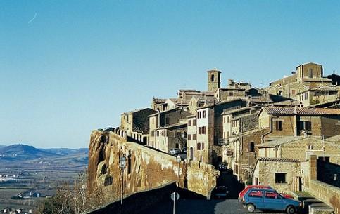 Umbria:  イタリア:      Orvieto