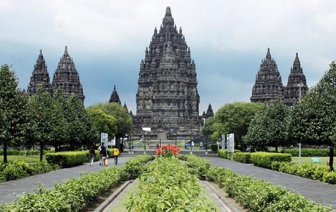 Indonesia:      Prambanan