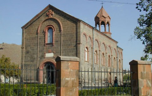 アルメニア:      Saint Mesrop Mashtots church
