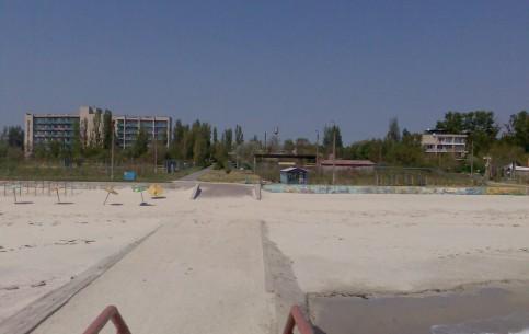 Salisnyj Port:  赫尔松:  乌克兰:      Salisnyj-Port Beach