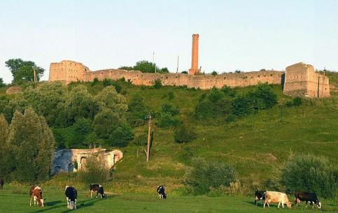 Khmelnytskyi:  Ukraine:      Satanivsky Castle