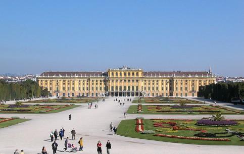 Вена:  Австрия:      Дворец Шёнбрунн