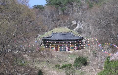 慶州市:  大韓民国:      石窟庵