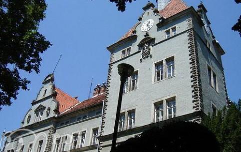 Мукачево:  Украина:      Замок Шенборнов