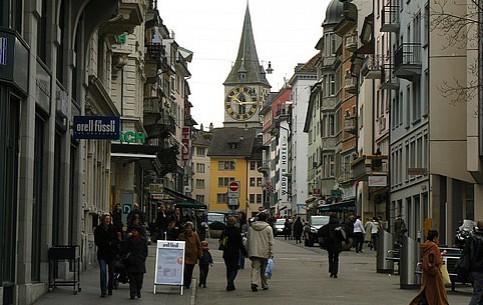 Zürich Downtown:  Zurich:  Switzerland:      Shopping in Zürich