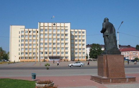 ミンスク:  ベラルーシ:      スウツク