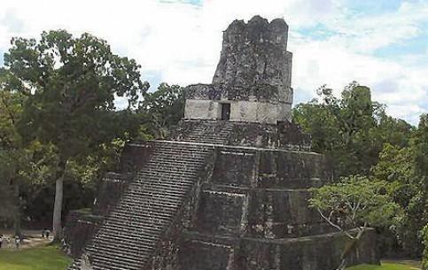 Peten:  Guatemala:      Tikal