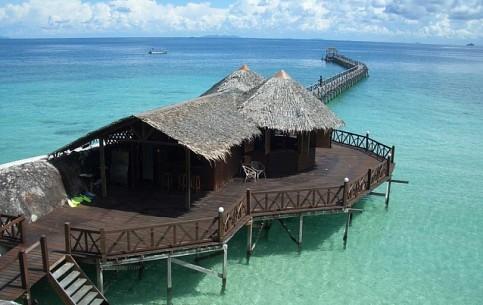 马来西亚:      Tioman Island