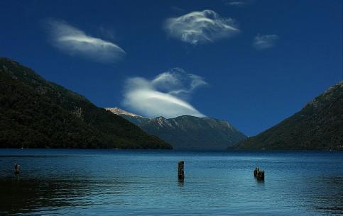 内乌肯省:  阿根廷:      Traful Lake