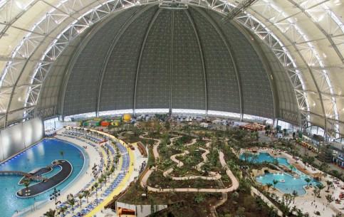 ベルリン:  ドイツ:      Tropical Islands Aquapark