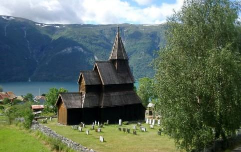 Согн-ог-Фьюране:  Норвегия:      Каркасная церковь в Урнесе