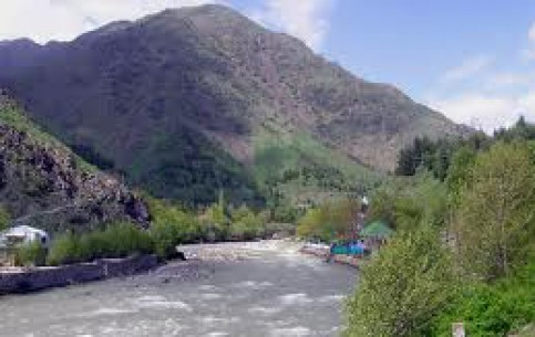 タジキスタン:      Varzob