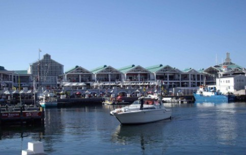 Cape Town:  South Africa:      Victoria & Alfred Waterfront