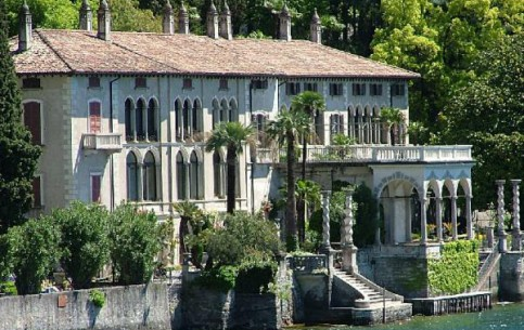 Варенна:  Ломбардия:  Италия:      Вилла Монастеро