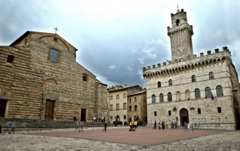 Images Volterra city