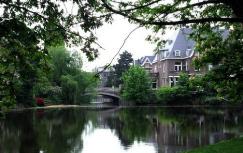 アムステルダム:  オランダ:      Vondelpark
