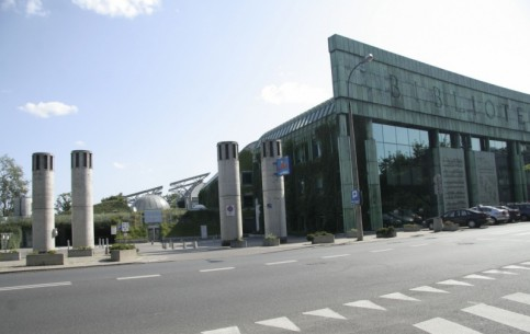 Warszawa:  波兰:      Warsaw University Library