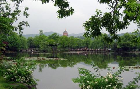 Ханчжоу:  Китай:      Западное озеро, или Сиху