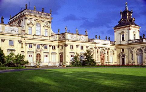 ワルシャワ:  ポーランド:      Wilanów Palace