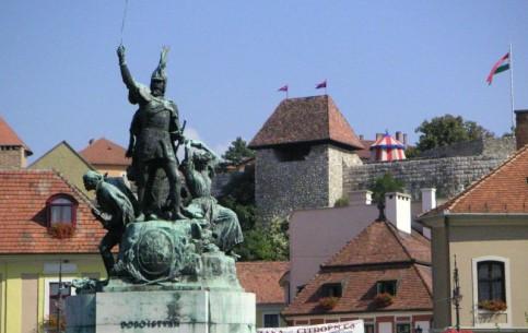 匈牙利:      埃格爾