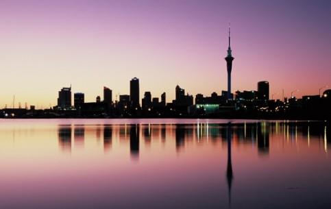 ニュージーランド:      オークランド (ニュージーランド)
