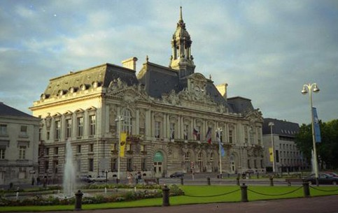 Tours is a city in central France, the capital of the Indre-et-Loire department. The region around Tours, is known for its wines and for the famous Battle of Tours in 732